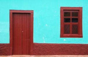 Правила и этапы установки окон и дверей